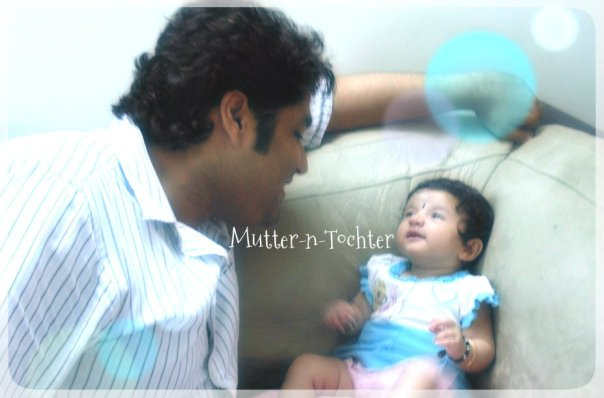 Papa M with H busy talking :)