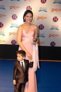 Sonali Bendre with her son