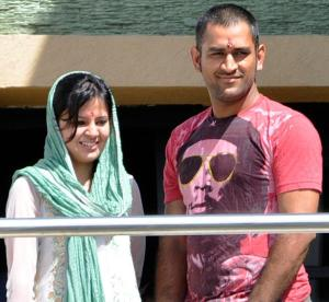 MS Dhoni & Sakshi Dhoni blessed with a baby girl