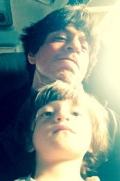 Shah Rukh Khan's selfie with AbRam Khan