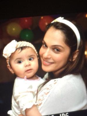Isha Koppikar with daughter