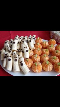 halloween party food: Banana ghosts