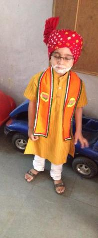 How to dress up a child as Narendra Modi