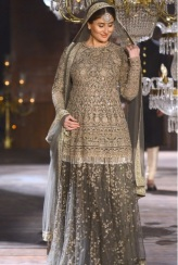 Maternity Fashion: Pregnant Kareena Kapoor walked the ramp for Sabyasachi Mukherjee at the recently concluded Lakme Fashion Week 2016