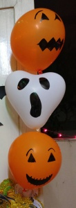 Halloween Decorations: Ghost Balloons